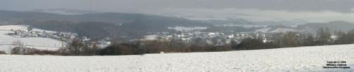 Panoramatický snímek Zdemyslic odDlouhého